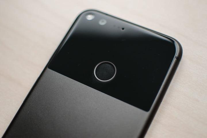 Google Pixel XL users Report Random Reboot Issue, No Fix Yet